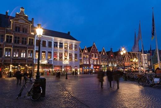 Stock Photo: 1566-745775 The Markt, Market Square, Bruges, Brugge, West Flanders, Flemish Region, Belgium, Winter.
