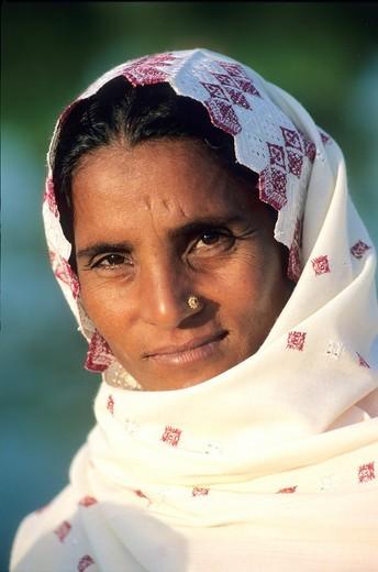 Stock Photo: 1566-747274 Pakistan, Punjab, Lahore, Punjabi woman
