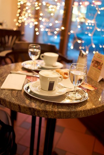 -Coffees with Milk- Winter in Wien (Austria). : Stock Photo
