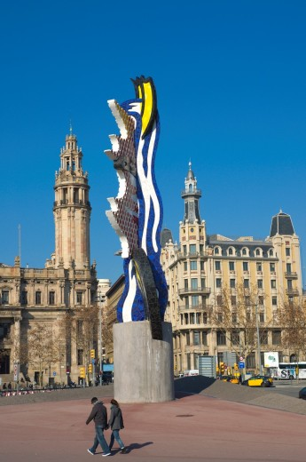 Placa d´Antoni Lopez square with Roy Lichtenstein´s Head sculpture central Barcelona Catalunya Spain Europe : Stock Photo