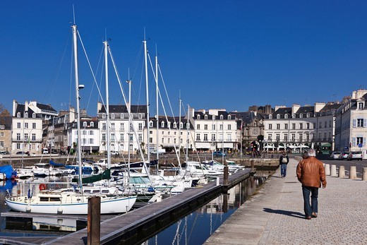 Stock Photo: 1566-760899 Old port and Place Gambetta at Vannes, Morbihan, Brittany, France, Europe