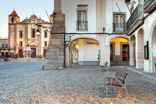 Giraldo Square, Evora, Alentejo, Portugal, Europe : Stock Photo