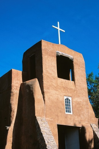 San Miguel Chapel in Santa Fe, New Mexico is the oldest church in the USA : Stock Photo