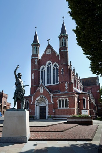 Stock Photo: 1566-763570 St John´s Roman Catholic Cathedral in POrtsmouth