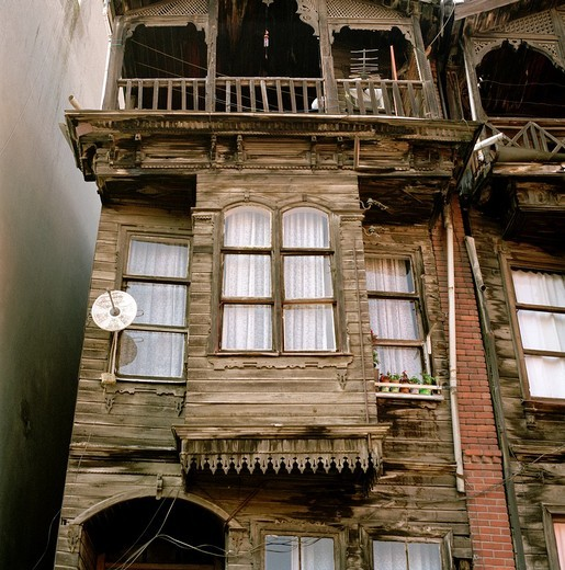 Stock Photo: 1566-764372 Ottoman housing in the district of Fener in Istanbul, Turkey