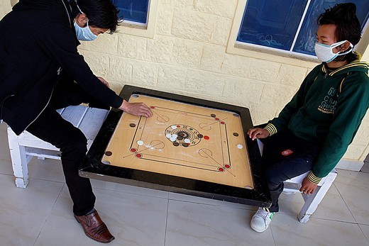 TB patients playing, in Tibetan Delek Hospital, Dharamsala, Himachal Pradesh state, India, Asia : Stock Photo