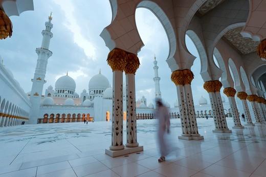 Stock Photo: 1566-768398 Sheikh Zayed Mosque in Abu Dhabi, UAE, United Arab Emirates