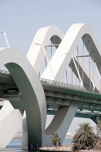 Sheikh Zayed Bridge in Abu Dhabi , United Arab Emirates, Architect Zaha Hadid : Stock Photo