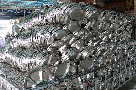 Stock Photo: 1566-769210 Trays in the Kitchen, Amristar, India