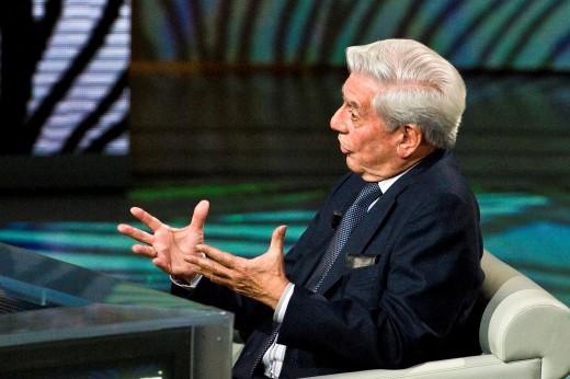 29 05 2011  Milan  Telecast ´Che tempo che fa´  Mario Vargas Llosa : Stock Photo
