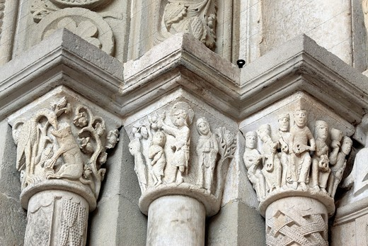 Stock Photo: 1566-771061 Capital column, Autun Cathedral, Autun, Saone-et-Loire department, Burgundy, France