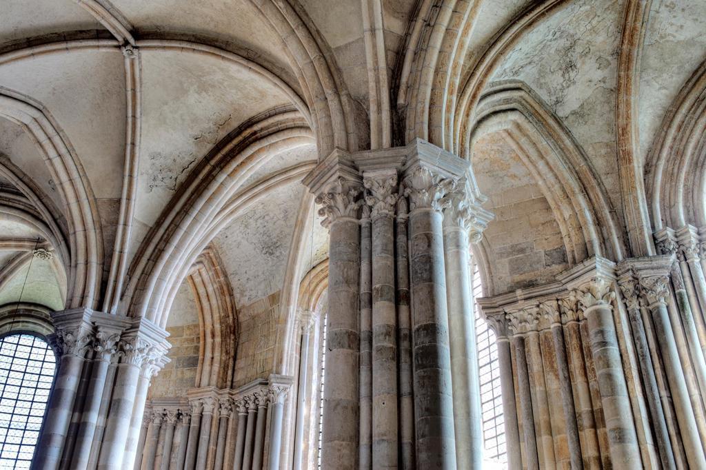 Church Sainte Marie Madeleine Basilica of St  Magdalene, Vezelay, Yonne department, Burgundy, France : Stock Photo