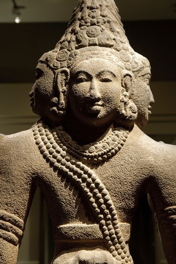 Shiva as Sadashiva or Mahesha, Chola period, (ca. 860–1279), 10th century, Tamil Nadu, India, Granite, H. 58 in., (147.3 cm), Note: The heads refer to his cosmic role as creator and symbolize the four great ages of Hindu mythology, Metropolitan Museum of. Shiva as Sadashiva or Mahesha, Chola period, (ca. 860–1279), 10th century, Tamil Nadu, India, Granite, H. 58 in., (147.3 cm), Note: The heads refer to his cosmic role as creator and symbolize the four great ages of Hindu mythology, Metropolitan : Stock Photo