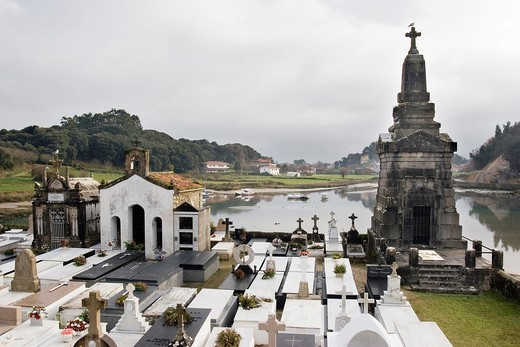 Church of Santa Maria de los Dolores and marine Cemetery, Ensenada de El Vau, between Barro and Niembro, Council of Llanes, Asturias, Spain : Stock Photo