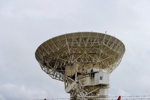 Stock Photo: 1566-778368 Large communication satellite dish