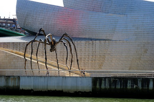 Mother, a giant spider by the artist Louise Bourgeois in front of the Guggenheim Museum in Bilbao, Basque Country, Spain : Stock Photo