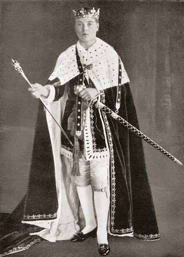 The Prince of Wales, later King Edward VIII, in his investiture Robes in 1911  Edward VIII, Edward Albert Christian George Andrew Patrick David, later The Duke of Windsor, 1894 – 1972  King of the United Kingdom  From Edward VIII His Life and Reign : Stock Photo