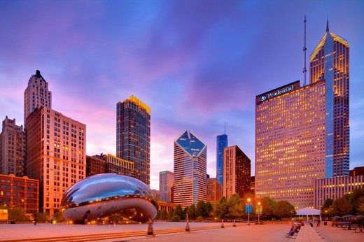 2010 Chicago skyline and Cloud gate, Illinois, IL : Stock Photo