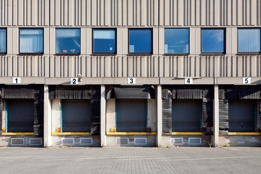 Stock Photo: 1566-786138 Commercial shipping warehouses and loading docks  Berlin, Germany
