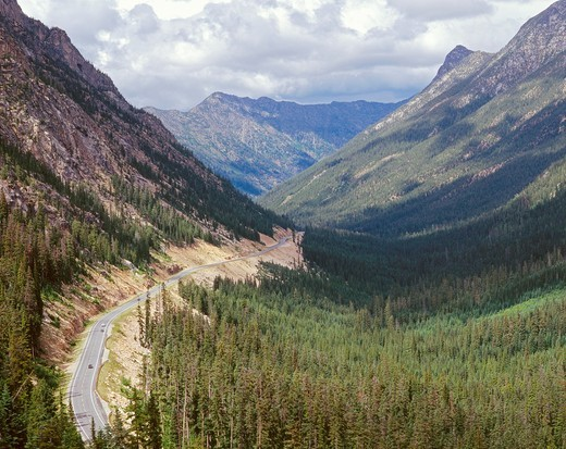 View east with Highway 20 descending from Washington Pass, Okanogan National Forest, northern Washington, USA : Stock Photo