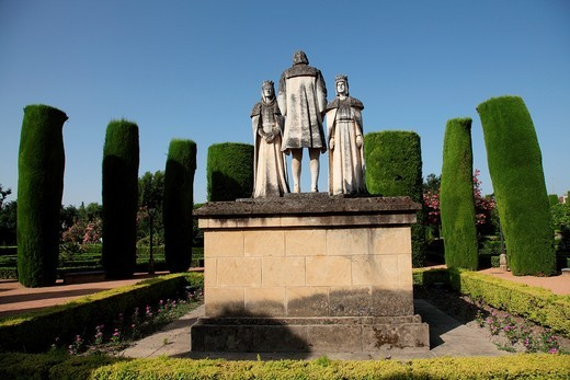 Statues of Queen Isabella, King Ferdinand and Christopher Columbus in the Alcazar gardens, Cordoba, Andalusia, Spain : Stock Photo