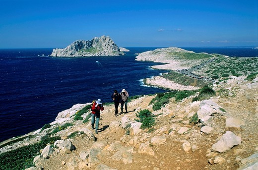 Stock Photo: 1566-790933 View of Maire Island and Cape Croisette from Callelongue, Marseille, France