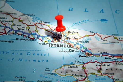 Map Pin pointing to Istanbul, Turkey on a road map : Stock Photo