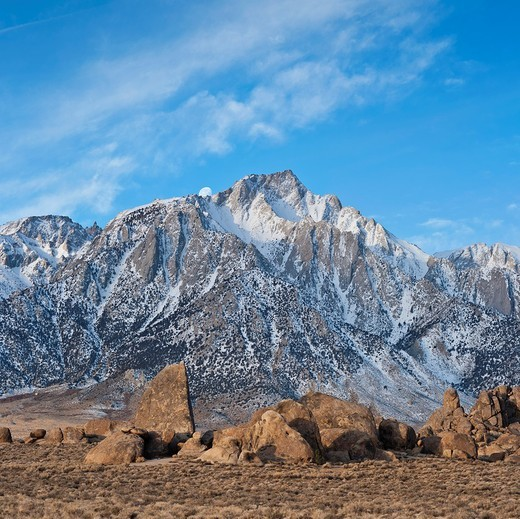 Stock Photo: 1566-792376 Lone Pine Peak and Alabama Hills, Sierra Nevada Mountains, California