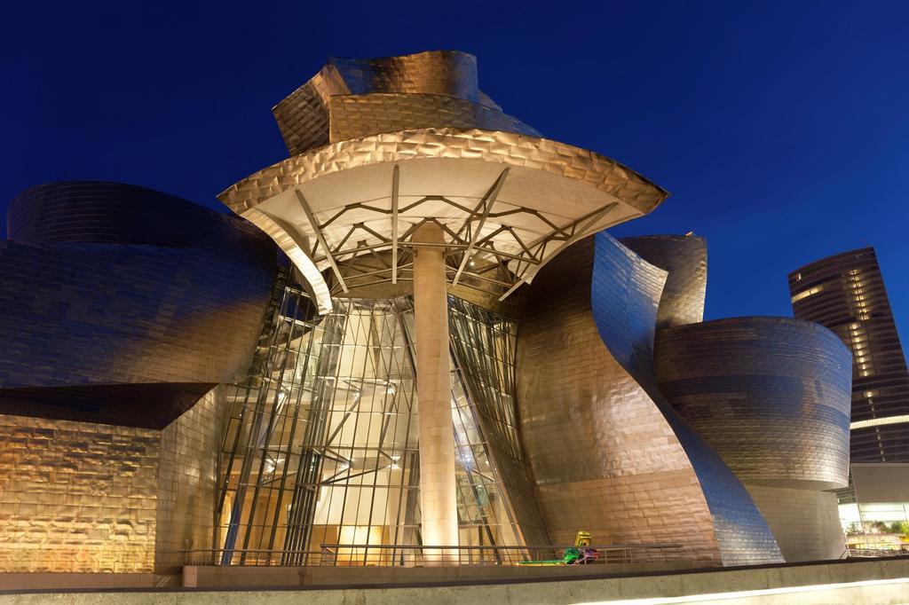Stock Photo: 1566-792978 Abandoibarra, Bilbao, Bizkaia, Spain