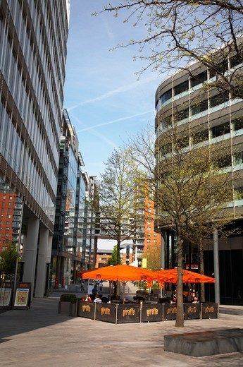 Giraffe pavement cafe on Hardman Square in Spinningfields, Manchester UK : Stock Photo
