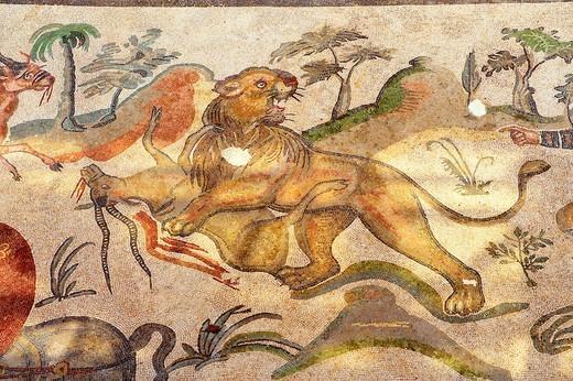 Stock Photo: 1566-795452 Hunters - Ancient Roman mosaics at the Villa Romana del Casale, Sicily, Italy