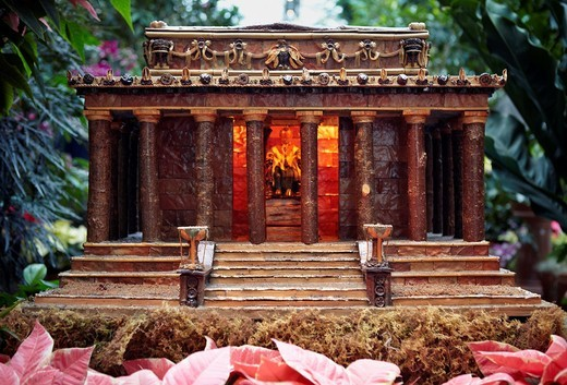A miniature model of the Lincoln Memorial constructed of dried plant materials in the collection of the U S  Botanic Garden, Washington, DC : Stock Photo