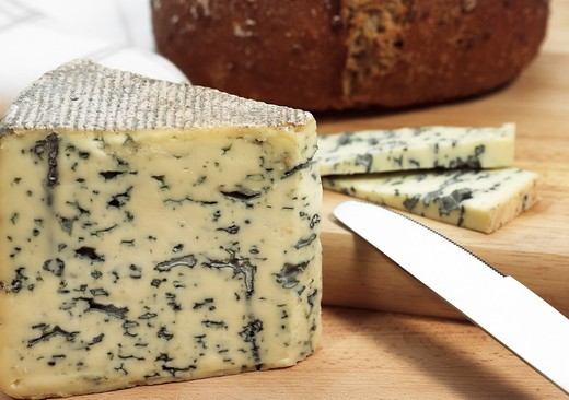 BLEU DES CAUSSES, A FRENCH CHEESE MADE WITH COW´S MILK : Stock Photo
