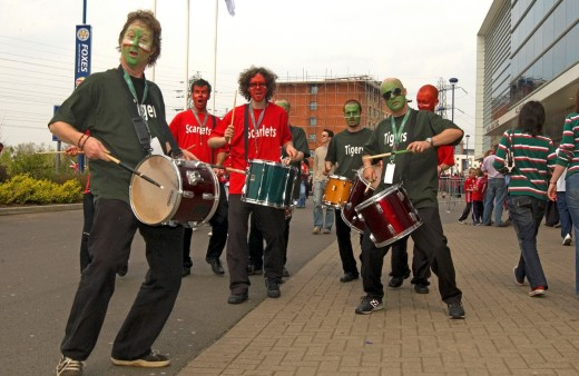 Drummers entertain at the Leicester Tigers Vs Llanelli Scarlets 21 04 2007 Heineken European Cup Semi Final Walkers Stadium, Leicester, England, UK : Stock Photo