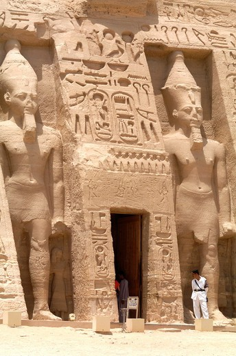 Stock Photo: 1566-804270 The Temple of Ramesses II, Abu Simbel, West Bank of Lake Nasser, Southern Egypt