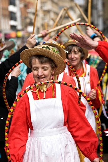 Morris dancers dancing in the streets during the Oxford Folk Festival, Oxford, UK : Stock Photo