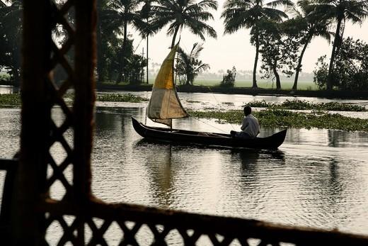 Stock Photo: 1566-806070 Sailing on the Kerala Backwaters Alappuzha, Kerala, Republic of India, India, Asia