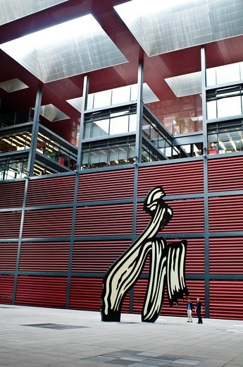 Stock Photo: 1566-807646 Abstract figure by Roy Lichtenstein in the courtyard, Museo Reina Sofía, Queen Sofia Museum, Madrid, Spain