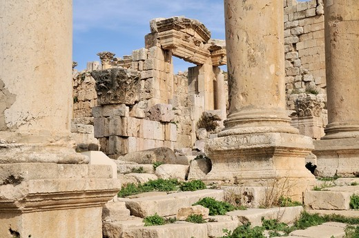 Cardo Maximus column street in Jerash, Jordan : Stock Photo