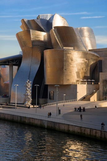 "Stock Photo: 1566-809627 Guggenheim Museum and the scuplture ""Tall tree and the eye"" by Anish Kapoor, Bilbao, Vizcaya, Basque Country, Spain, Europe"