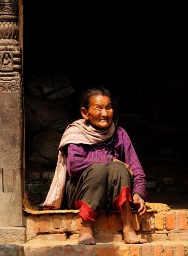 blind old lady , peoples lives the nepalis , to live and die in kathmandu , life in kathmandu , kathmandu street life , nepal : Stock Photo