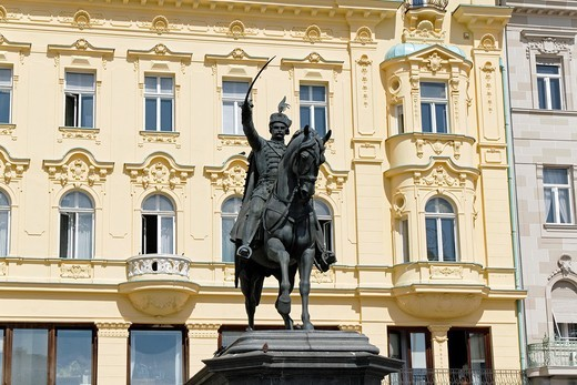 Stock Photo: 1566-812480 Statue of King Josip at the Main Square, Zagreb, Croatia