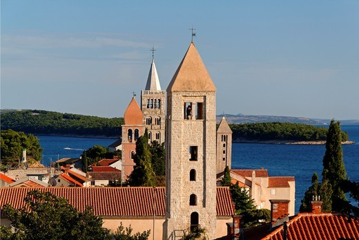 Stock Photo: 1566-812536 Rooftop view over Rab Town, Kvarner Gulf, Croatia
