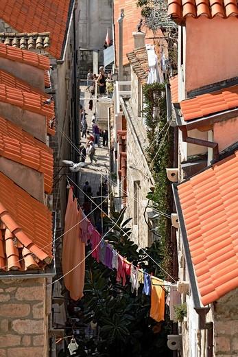 Stock Photo: 1566-812682 Narrow street of Dubrovnik, Croatia
