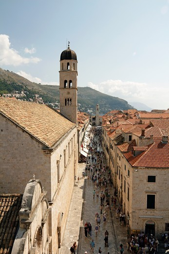 Stock Photo: 1566-812696 Tourists at Placa Stradun, Dubrovnik, UNESCO World Heritage Site, Croatia