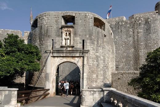 Pile Gate of the City Walls of Dubrovnik, Croatia : Stock Photo