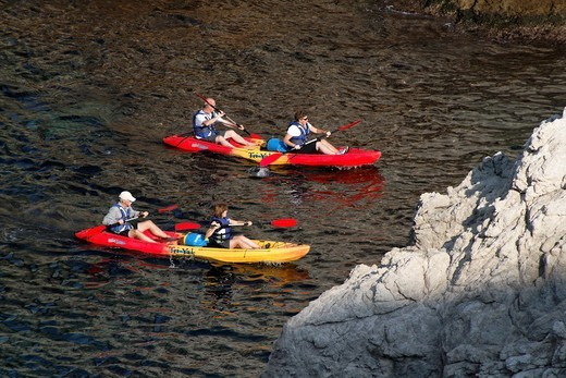 Stock Photo: 1566-812731 Kayaking, Dubrovnik, Croatia