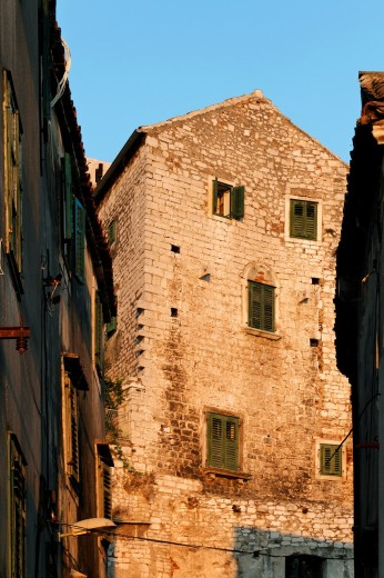 Stock Photo: 1566-813054 Stone house in Sibenik, Croatia