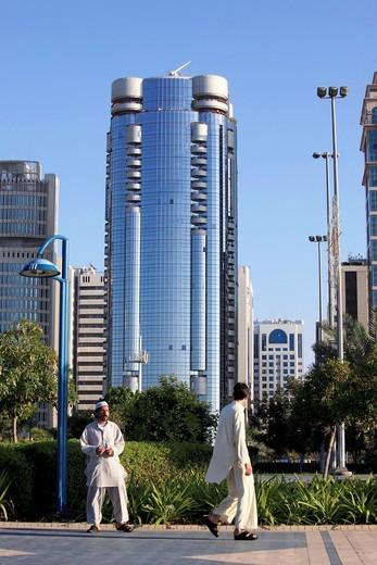 United Arab Emirates, Abu Dhabi, Corniche Road, street scene, : Stock Photo