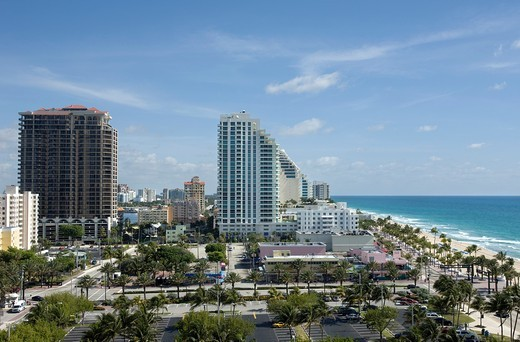 FORT LAUDERDALE SKYLINE FLORIDA USA : Stock Photo